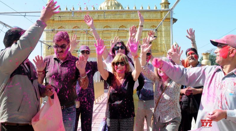 8 Best Places to Celebrate Holi in Punjab 2021 | Holi Celebration in Punjab